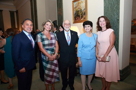 Dr. Armen Der Kiureghian with guests at the California Club in Downtown Los Angeles