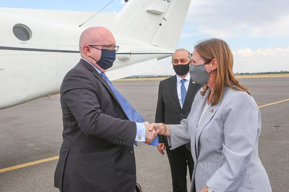 U.S. Ambassador to Armenia Lynne Tracy (right) greets Acting Assistant Secretary for European and Eurasian Affairs Philip Reeker upon his arrival in Yerevan (U.S. Embassy photo)