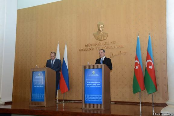 Russia's foreign minister Sergei Lavrov (left) with his Azeri counterpart Jeyhum Bayramov in Baku on May 11